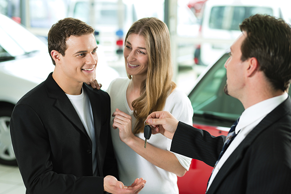 customer-satisfied-after-buying-car